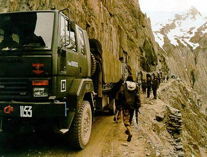 16 Tribute to Gallant Kargil Martyrs