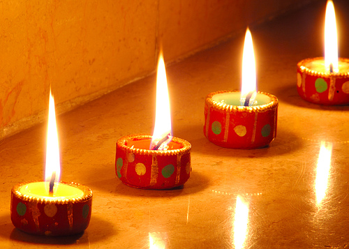 diwali lamps 1  [Best Wishes] Happy Diwali to you and your family!!!